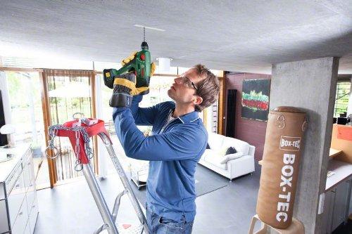 Bosch DIY Akku-Bohrhammer Uneo Maxx, Akku, Ladegerät, 2 Bohrer, 4 Bits, Koffer (18 V, 2,0 Ah, max. Bohr-Ø Stahl: 8 mm, Beton: 10 mm, Holz: 10 mm) - 5