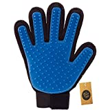 #2: The Pets Company Bath Glove for Dogs and Cats