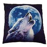 Kissen mit dem Motiv eines heulenden Wolfes vor dem Mond, gefülltes Dekokissen