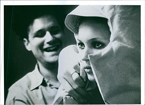 vintage-photo-of-a-scene-of-isaac-mizrahi-and-kate-moss-from-the-american-documentary-film-directed-