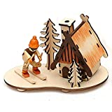 Dekohelden24 Wunderschöne Holzszene, Räucherhaus mit Winterfigur, ca. 14 cm