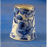 En porcelaine anglaise de collection avec dé Chintz Motif Floral Bleu