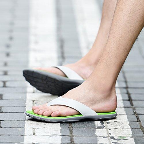 Tongs chaussures de plage dantidérapage dété pour les hommes yellow