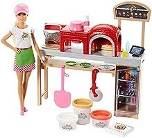 Barbie La Pizzeria con Bambola, Tavolo per Le Pizze, 3 Vasetti di Pasta da Modellare e Accessori, FHR09