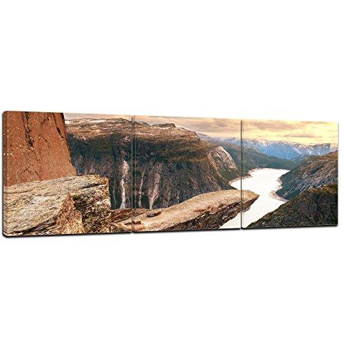 Kunstdruck - Trolltunga Norwegen - Bild auf Leinwand - 180x60 cm 3tlg - Leinwandbilder - Landschaften - Sørfjord - Felsvorsprung - Trollzunge im Sonnenuntergang