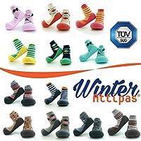 Attipas - Scarpe primi passi, caldi calzini della nostra collezione invernale. Leggeri come un calzino, ma con un maggiore sostegno per i primi passi, queste funzionali scarpe sostengono i bambini nei primi passi e in seguito.  Le scarpe per ...