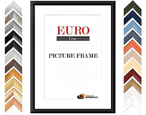 EUROLine35 cadre photo sur mesure pour des photos 13 cm x 17 cm, couleur: Alu Criss Cross, fabrication sur mesure du cadre en bois MDF, y compris verre acrylique traité antireflet et partie arrière en MDF, largeur du cadre: 35 mm, dimensions extérieures: 18,8 cm x 22,8 cm