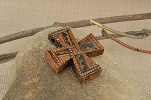 Kruzifix Anhanger aus Holz