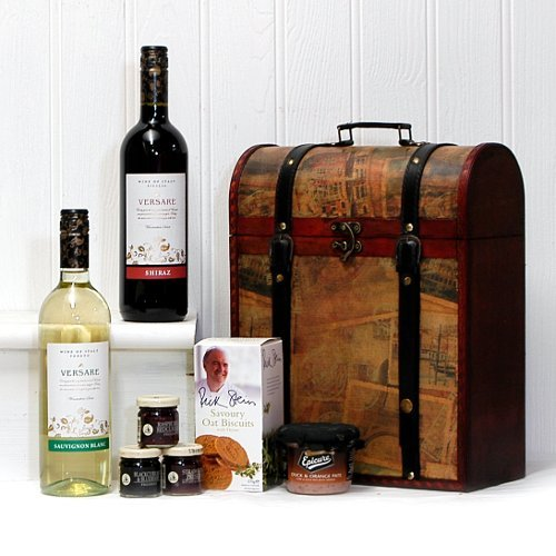 The Deluxe Clarendon Vintage Wooden Wine Chest Gift Food Hamper with 2 x 750ml Versare Wines (Sauvignon & Shiraz) - Perfect gift for Birthday, Retirement, Thank you Present