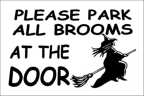 Witziges Schild mit Aufschrift in englischer Sprache