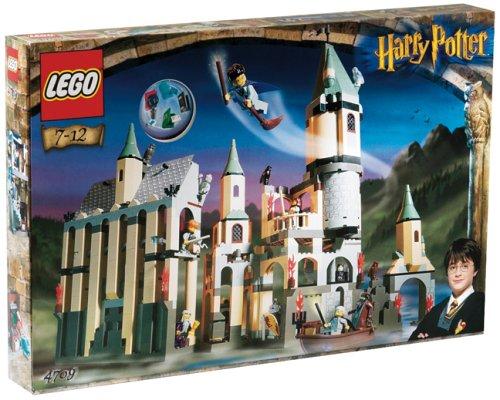 LEGO-Harry-Potter-4709-Hogwarts-Castle