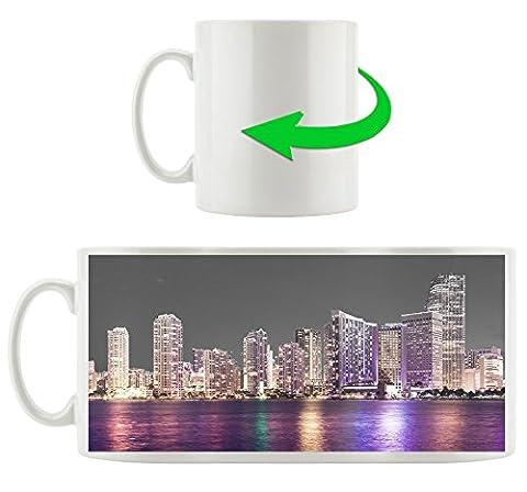 Schöne Nacht-Szene Skyline von Miami Florida B&W Detail, Motivtasse aus weißem Keramik 300ml, Tolle Geschenkidee zu jedem Anlass. Ihr neuer Lieblingsbecher für Kaffe, Tee und Heißgetränke