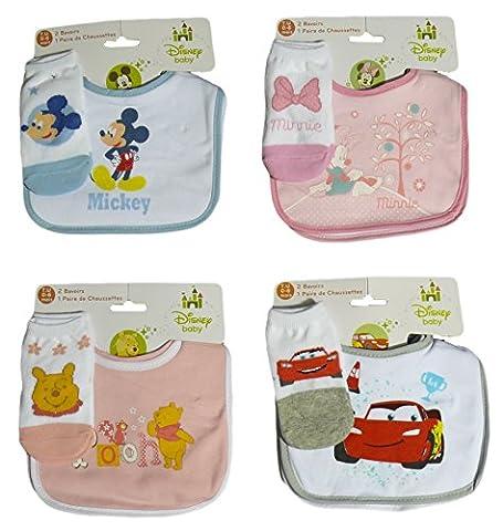 Bavoirs Velcro DISNEY Winnie l'Ourson, Minnie, Mickey ou Cars 2