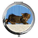 metALUm Premium - Taschen - Spiegel aus verchromten Metall mit niedlichem Kätzchen und edler, hochglänzender Kunstharzbeschichtung - ein tolles Accessoire für alle Katzenfans oder als besonderes Geschenk