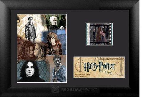Preisvergleich Produktbild Harry Potter und die Heiligtümer des Todes Teil 2 Mini Film Cell im Holzrahmen Good vs. Evil
