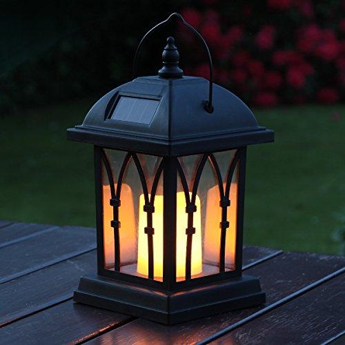 schwarze Solar Laterne mit LED Kerze und täuschend echt wirkenden Flacker-Effekt, von Festive Lights