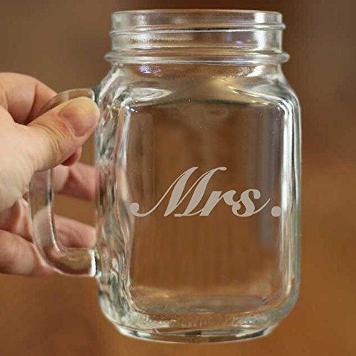 Personalisierte Frau Mason Jar Becher mit Griffen Personalisierte Mason Jar Becher für Braut Personalisierte Hochzeit Geschenk evgraved Mason Jar Glas Tasse 16Oz Geschenk für Frauen