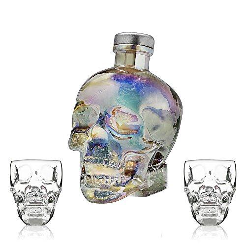 e7133c34526c CRYSTAL HEAD VODKA AURORA 70cl + 2 x Skull Plastic Shot Glasses (GIFT SET)