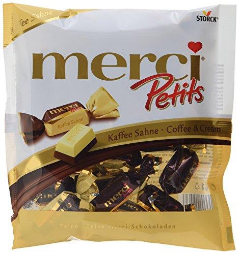 Preisvergleich Produktbild merci Petits Kaffee Sahne – Feine Pralinen aus edler weißer und Kaffee-Sahne Schokolade - kleines Dankeschön für jedermann – (12 x 125g Beutel)