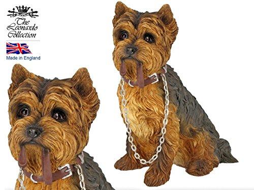 Dog Studies Walkies LP08282 Hundefigur, sitzender Yorkshire Terrier mit Leine Walkie Leine
