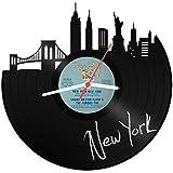 GRAVURZEILE Wanduhr aus einer echten Schallplatte - Wähle eine Stadt - 30cm Groß lautloses Uhrwerk - Schallplattenuhr, ideale Geschenkidee Skyline New York
