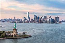 Poster 60 x 40 cm: Freiheitsstatue und World Trade Center, New York von Matteo Colombo - hochwertiger Kunstdruck, neues Kunstposter