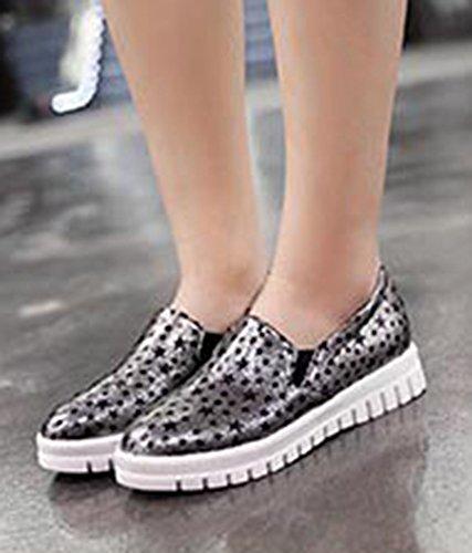 Aisun Femme Classique Basse Imprimé Etoiles à Enfiler Loafer Baskets Or