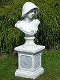 Unbekannt Figur Büste Frau mit Hut auf klassischer Säule grau patiniert Höhe 64 cm Gartenskulpturen aus Beton