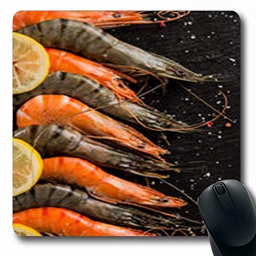 Luancrop Mousepads Kalk gekochte Garnelen, die auf schwarzem Aperitif-Stein-Nahrungsmittelgetränk-Kraken-Natur-Frische-länglicher Spiel-Mausunterlage-rutschfeste Gummimatte gedient Werden