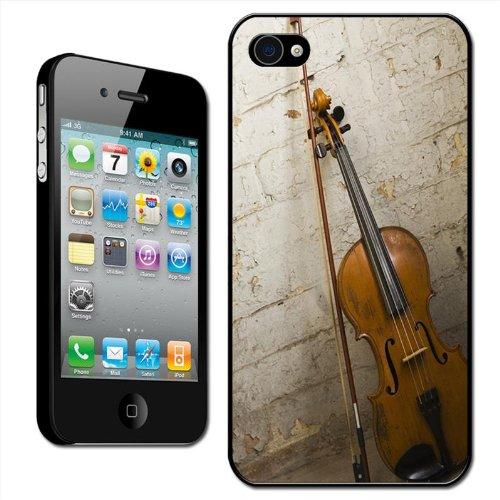 Fancy A Snuggle Schutzhülle für Apple iPhone 4 / 4S (Hartschale, Rückenabdeckung zum Aufstecken, Motiv Violine und Violinenbogen an eine Steinmauer gelehnt)