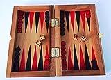Backgammon. Juego de madera. Juego de sobremesa
