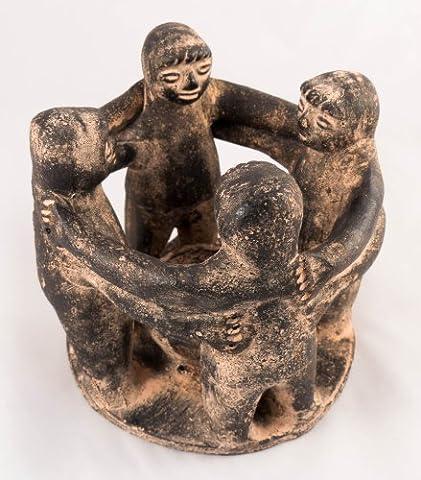 Cercle d'Amis, Terracota 4figurines–Issu du Commerce Équitable Et fabriqué à la main en Mexique–Brûleur d'encens ou bougies chauffe-plat dans le centre–Utilisation à l'intérieur ou à l'extérieur, noir