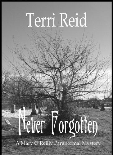Buchseite und Rezensionen zu 'Never Forgotten (A Mary O'Reilly Paranormal Mystery Book 3) (English Edition)' von Terri Reid