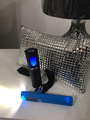 Kofferwaage, 50kg Gewicht-Kapazität, mit Beleuchtung, Aufladbar via USB und jedem Android-Handy | Tasche | Koffer | Reisen | Digital | Power-Bank, von Asseio, plastik, Schwarz , 15.3 x 3.5 x 3.9 cm