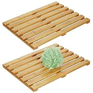 mDesign Juego de 2 alfombras de bambú – Alfombrilla de baño rectangular de bambú ecológico – Accesorio de baño y ducha…
