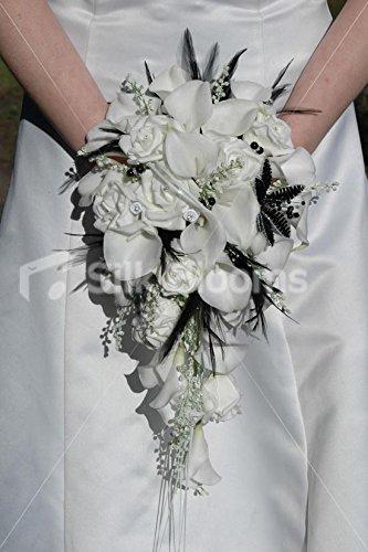 moderne-blanc-calla-lily-bouquet-de-mariee-et-rose-w-plumes-noir