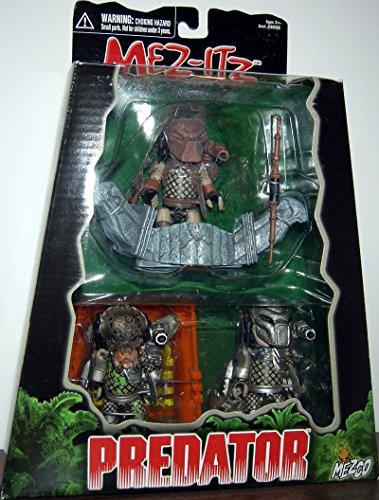 Mez-itz Predator 3 action figure set by Mezco 2