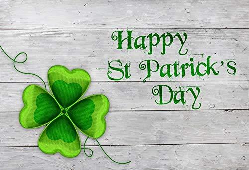 YongFoto 1,5x1m Vinyl St. Patrick's Day Foto Hintergrund Grüne vierblättrige Kleeblätter Glücklicher Irischer Klee Graue Holzplatte Fotografie Hintergrund Fotostudio Hintergründe Requisiten