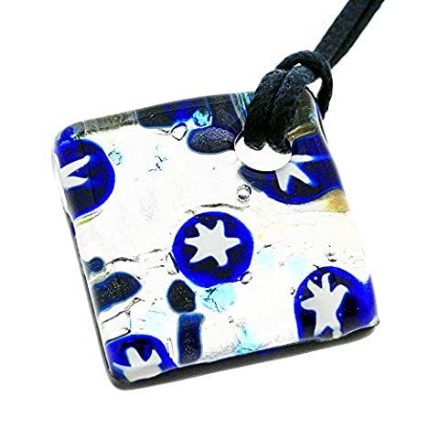 Collier en argent de verre de Murano vénitien et des étoiles bleues. Véritable fait main en Italie, magnifiquement présenté dans une boîte cadeau avec certificat d'authenticité.