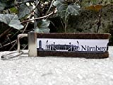 Schlüsselanhänger Taschenanhänger dunkelbraun Nürnberg schwarz weiss Skyline Geschenk!