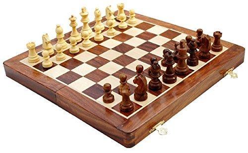 Schach - Ultimatives 25 cm x 25 cm Klassisches Holz Reise Schachspiel mit Magnet Staunton Figuren und klappbares Spielbrett - Handgefertigt von Handwerkern in feines Rosenholz mit einem Walnuss-Finish - Klassische Finish
