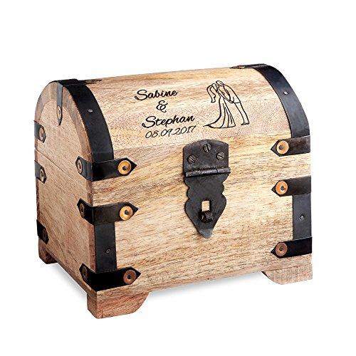Casa Vivente Große Geld-Schatztruhe mit Gravur - Motiv Brautpaar - Personalisiert mit Namen und Datum - Schmuckkästchen aus hellem Holz - Verpackung für Geldgeschenke - Hochzeitsgeschenke für Paare -