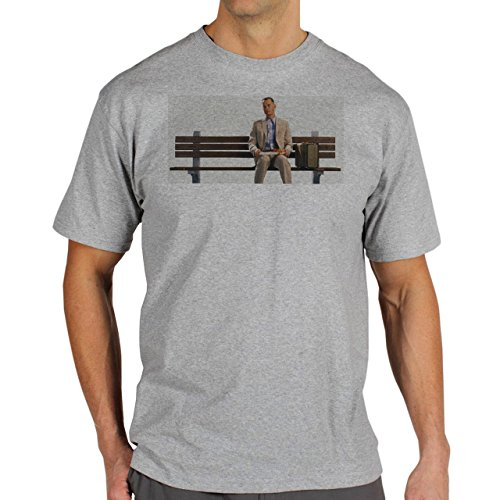 Forrest Gump Is Sitting On The Bench Eating Curious Movie Background Herren T-Shirt Grau