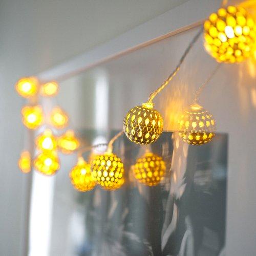 catena-con-16-sfere-in-filigrana-dorata-con-led-di-lights4fun