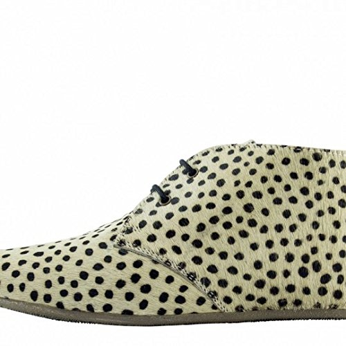 maruti-gimlet-hair-on-leather-small-dots-beige-black-ankle-boots-7