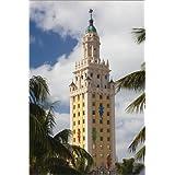 Impresión en metacrilato 80 x 120 cm: USA, Florida, Miami, Freedom Tower de Walter Bibikow / Danita Delimont