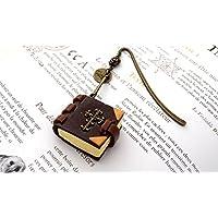 Marque-page grimoire royauté Française en fimo , mini livre fleurs de lys, bookmark gift, marque-page vieux livre , marque-page métal