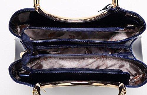 Art Und Weise Helle Lederne Handtaschenschulterbeutelnieten Einfaches Wildes White