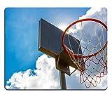 luxlady Gaming Mousepad Bild-ID: 33811000Outdoor Altes Holz Basketballkorb mit blauem Himmel und Wolken Hintergrund