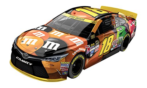 lionel-racing-kyle-busch-18-mms-halloween-toyota-camry-nascar-124-scale-diecast-car